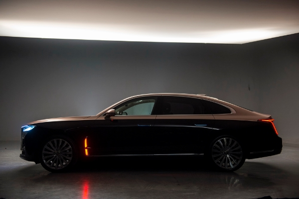 Hongqi H9 Offers 7 Color Schemes